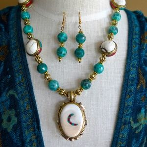 Tibetan shiva shell and Agate necklace & earrings